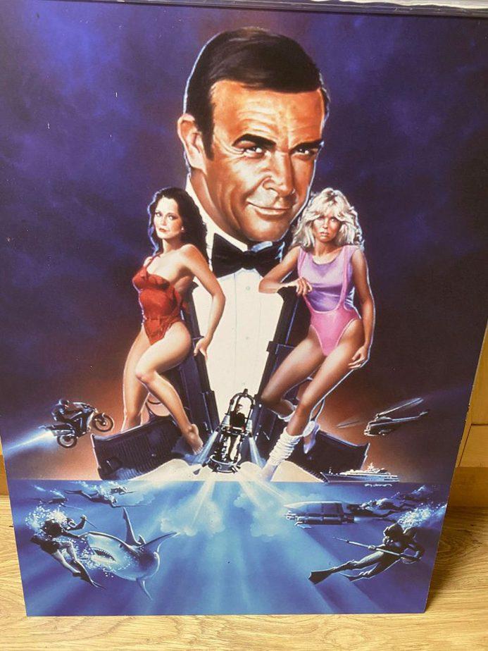 Bond Picture 5