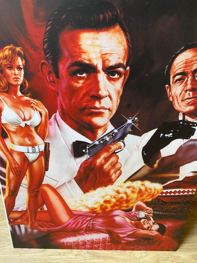 Bond Picture 7