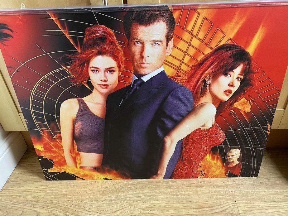 Bond Picture 8